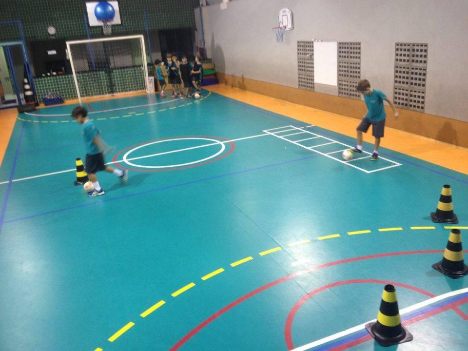 74ceda9818df4 Trabalhando os fundamentos de maneiras diferentes– Futsal - Escola ...